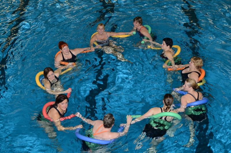 schwimmen spiele für erwachsene